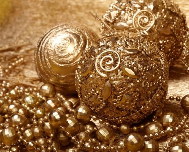gold-beads-christmas